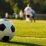 Вратарь «Аугсбурга» отбил пенальти, испортив газон около 11-метровой отметки