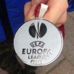 Зозуля выставил нааукцион медаль финалиста Лиги Европы, чтобы помочь воинам АТО