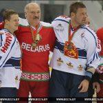 Александр Лукашенко нахоккее поломал колено