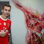 «Бенфика» подписала договор сфорвардом сборной Сербии (U-21) Шапоньичем