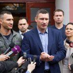 Виталий Кличко ответил пословицей напоражение брата вбое сФьюри
