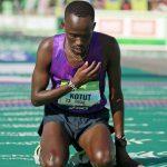 Кенийка Висилин Джепкешо выиграла юбилейный Парижский марафон