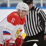 Минспорту ирегионам нужно поразмыслить над поддержкой хоккея смячом— Путин